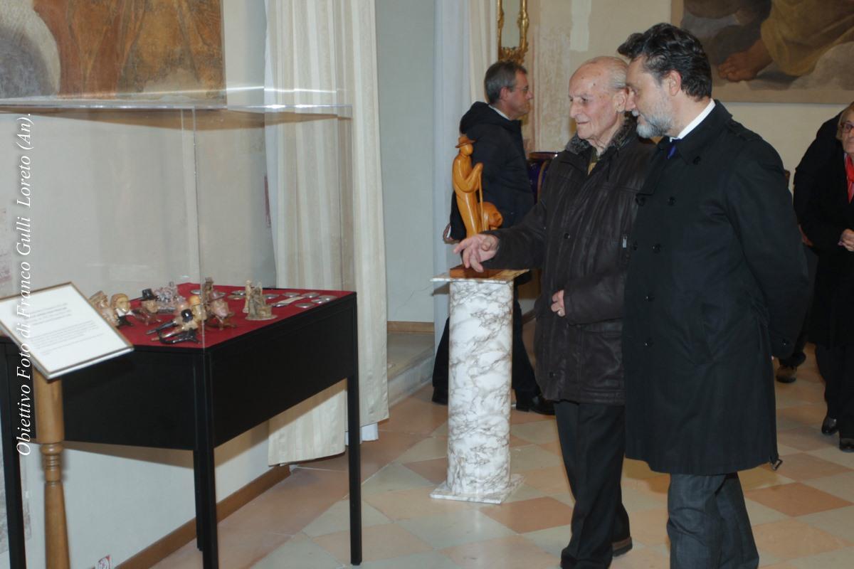 L'artista con il Sindaco di Loreto, dott. Paolo Niccoletti