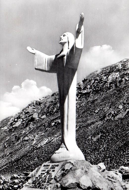 Agosto 1964: installazione del Cristo delle Nevi a Frontignano