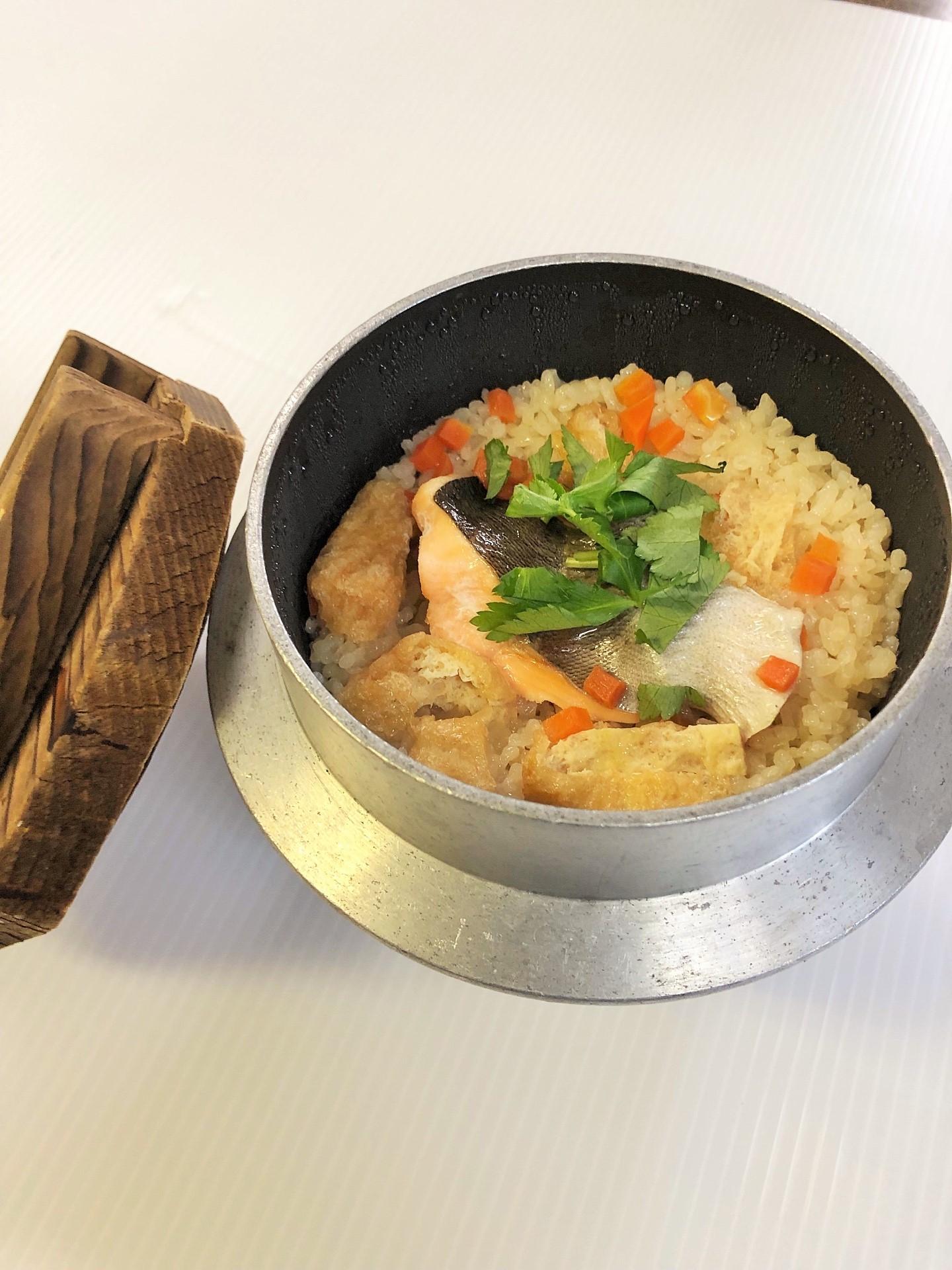 オイスターサーモン釜飯