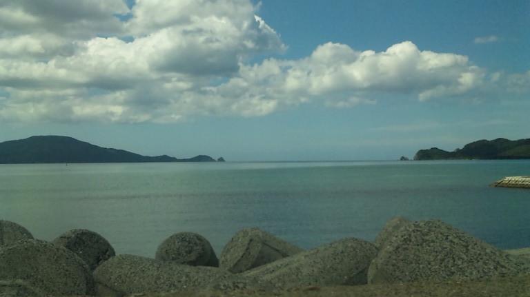 海も穏やかな日です。ちなみに今日は大潮です。