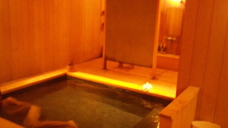 大浴場ですが宿泊客とはほとんど会いません。