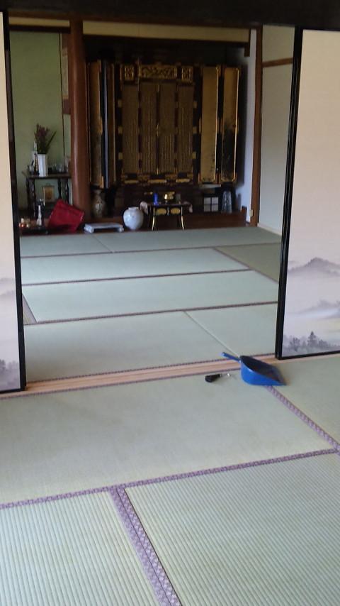 襖をはずすと広大な和室に・・・