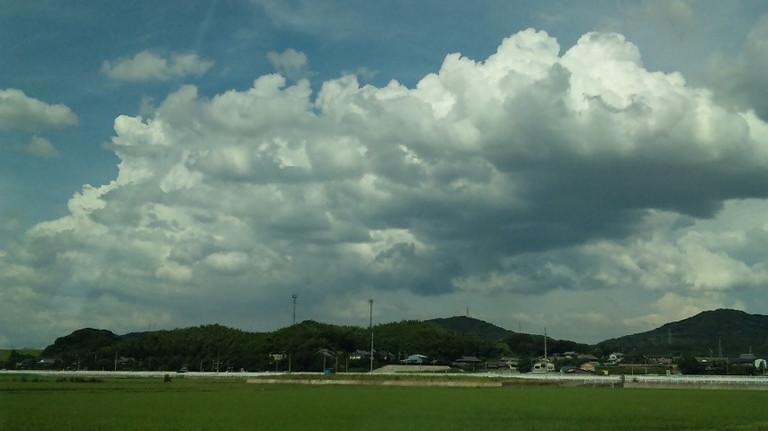 入道雲が現れ始めました