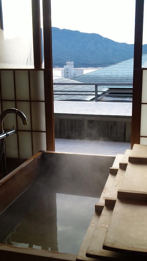 お風呂から見える瀬戸内の展望