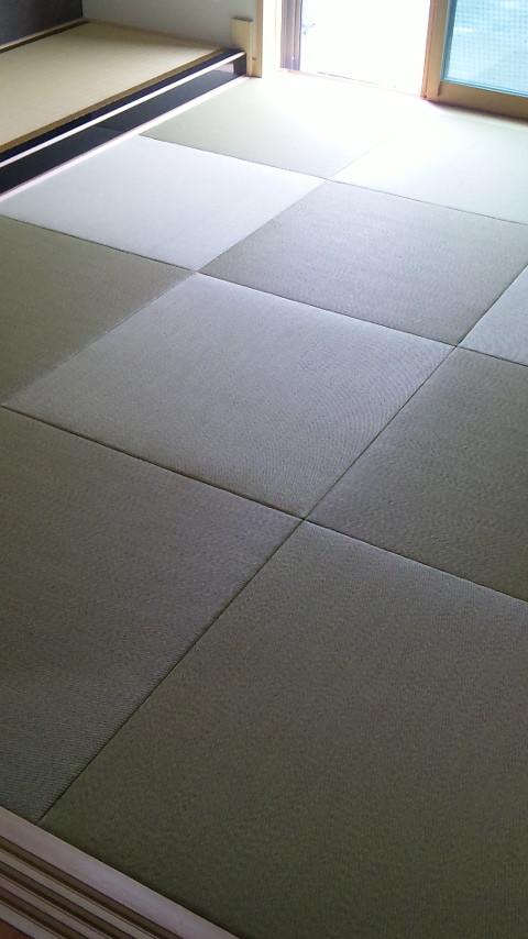 床上敷きと縁無し畳の相性もいいですね。