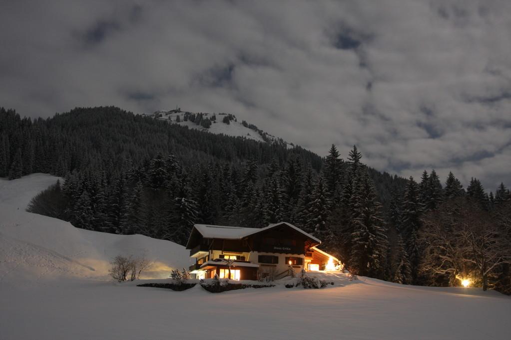 Winterabend, Haus Erika