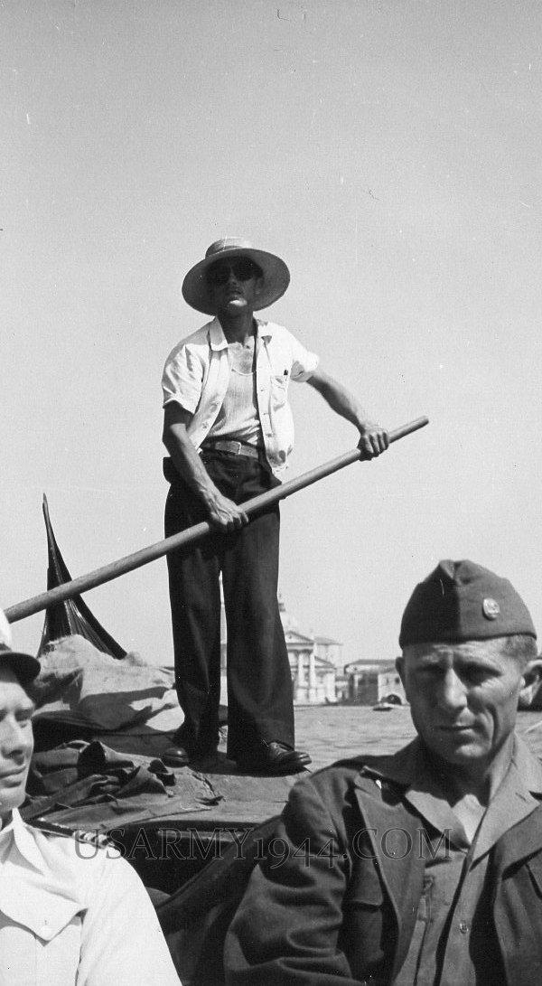 Giro in gondola 1945 Venezia