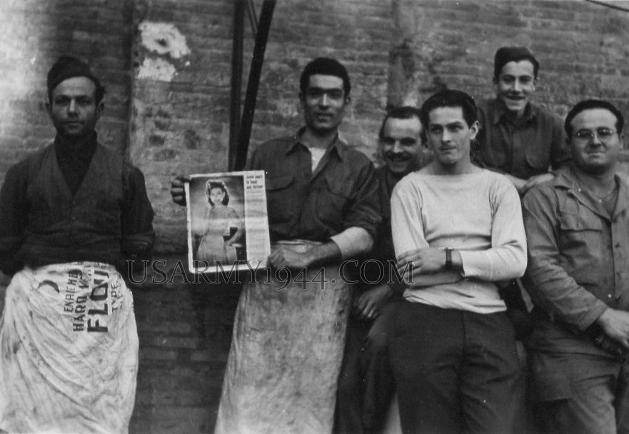 Kitchen crew Florence 1944