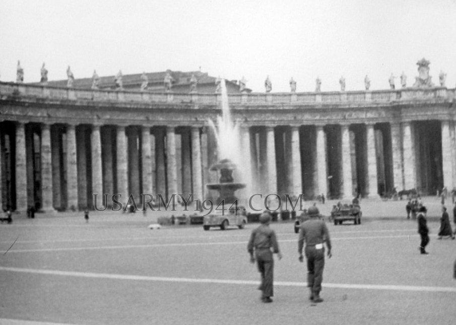 Piazza San Pietro 1944