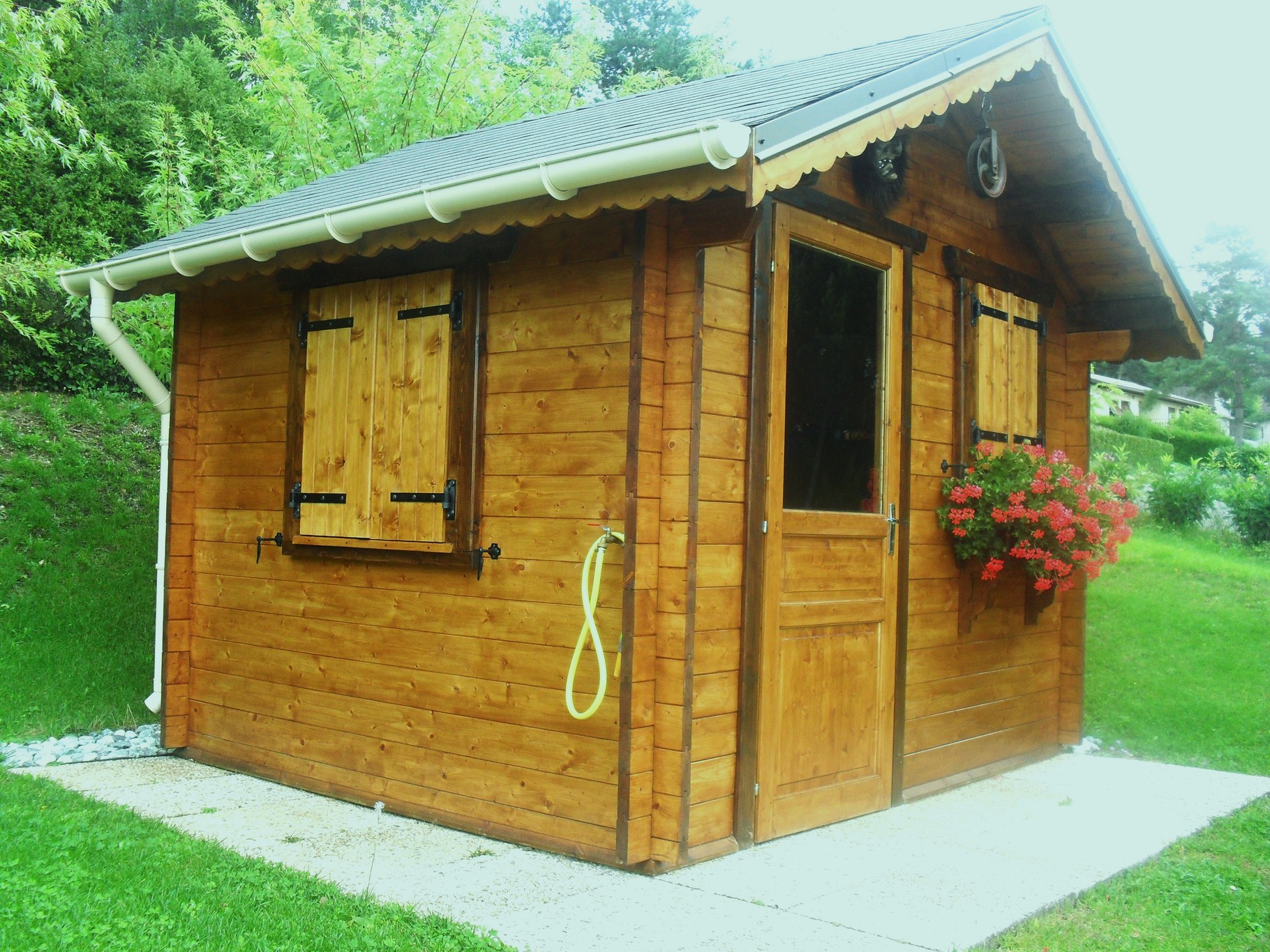 chalet de jardin et garage site de valobois39. Black Bedroom Furniture Sets. Home Design Ideas