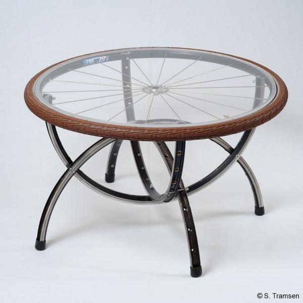 Fahrrad upcycling-fahrradmöbel-tisch-upcycling-fahrradfelge-shepherds world - maik schäfer