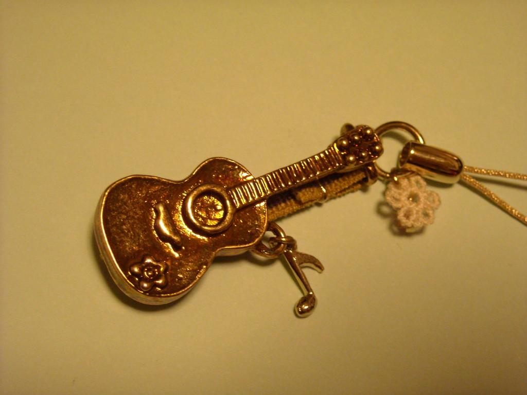 ギターストラップ素敵なプレゼントありがとう!
