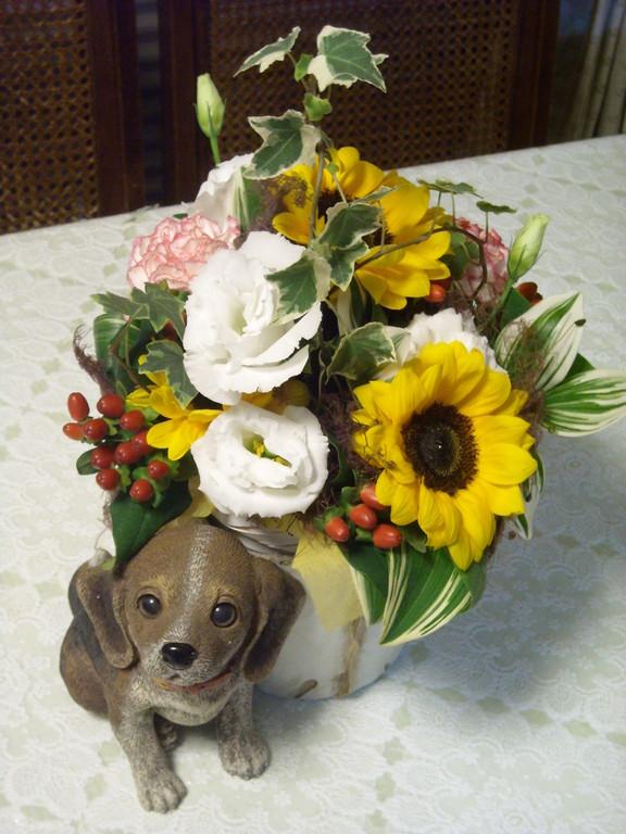 家にあったワンちゃんにもらったお花入れました。