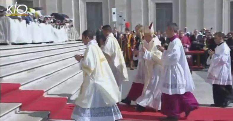 Messe de la Canonisation : place Saint Pierre