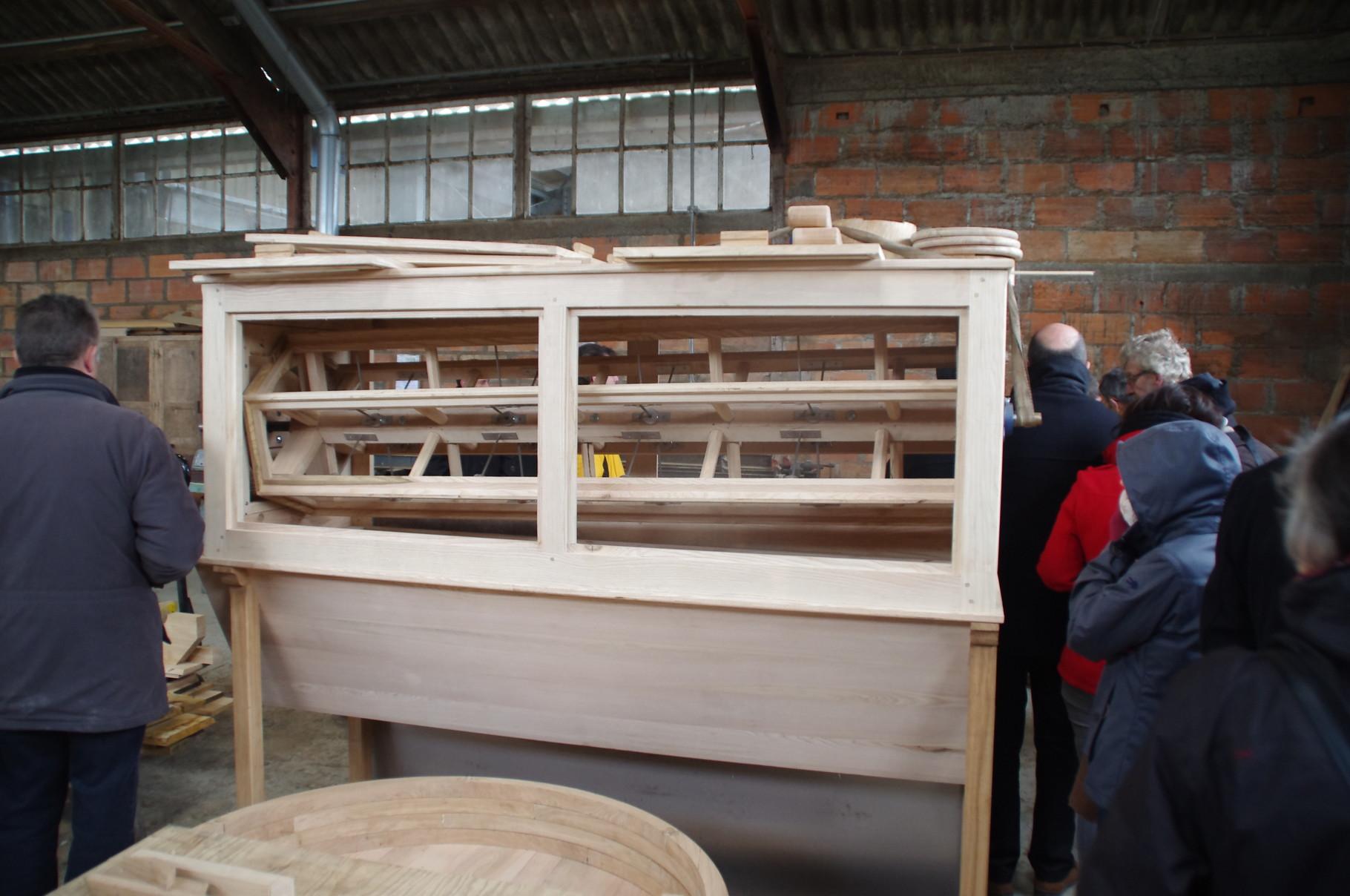 Fabrication de meuble en relation avec le moulin Le tamis à farine