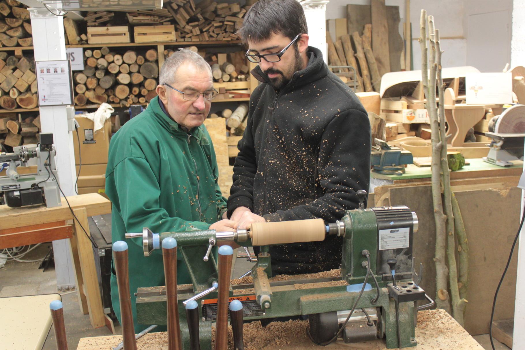 """Utilisation du pied à coulisse ... c'est du sérieux, Bernard Beucher et son """"apprenti"""" Fabien"""