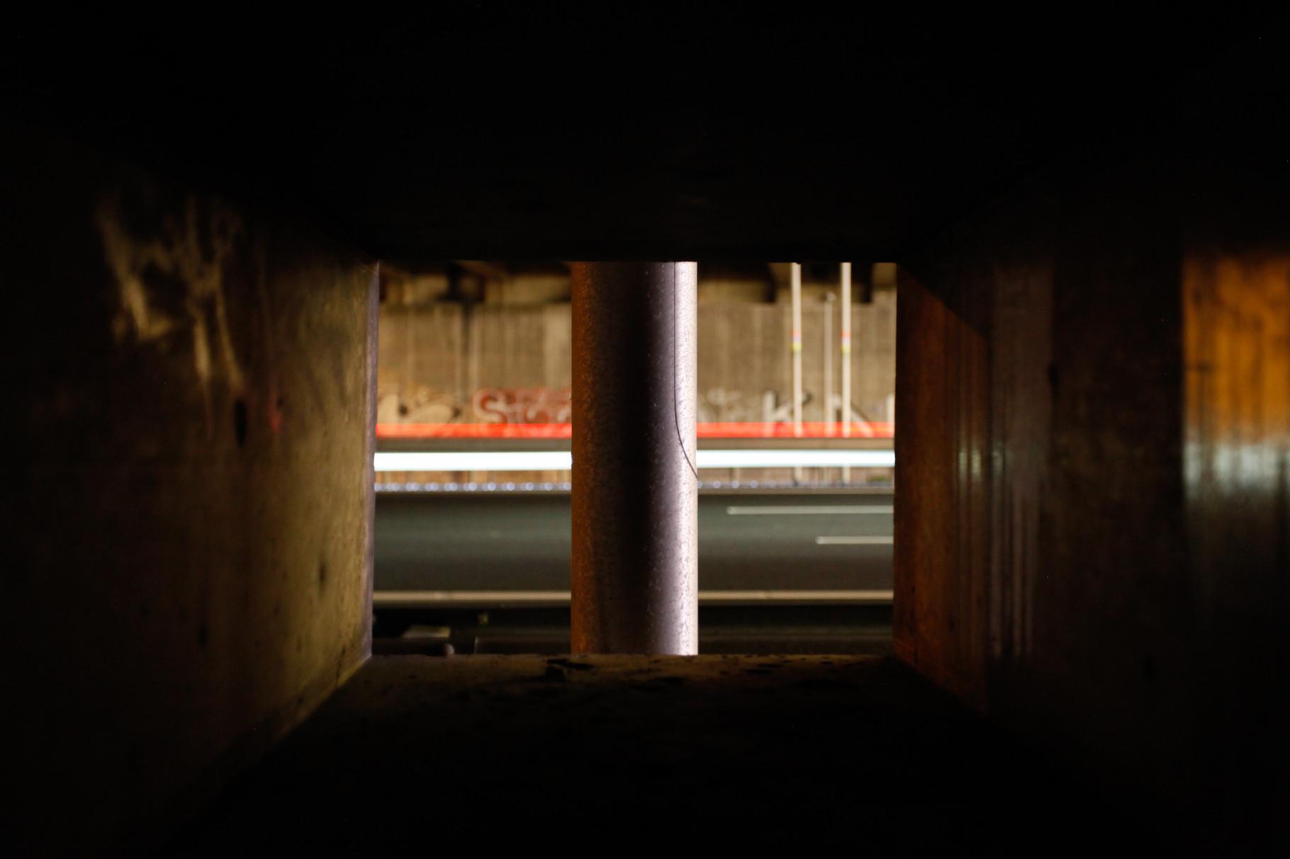 Nachtfoto snelweg vanuit tunnel Zoetermeer - DOKOE Fotografie