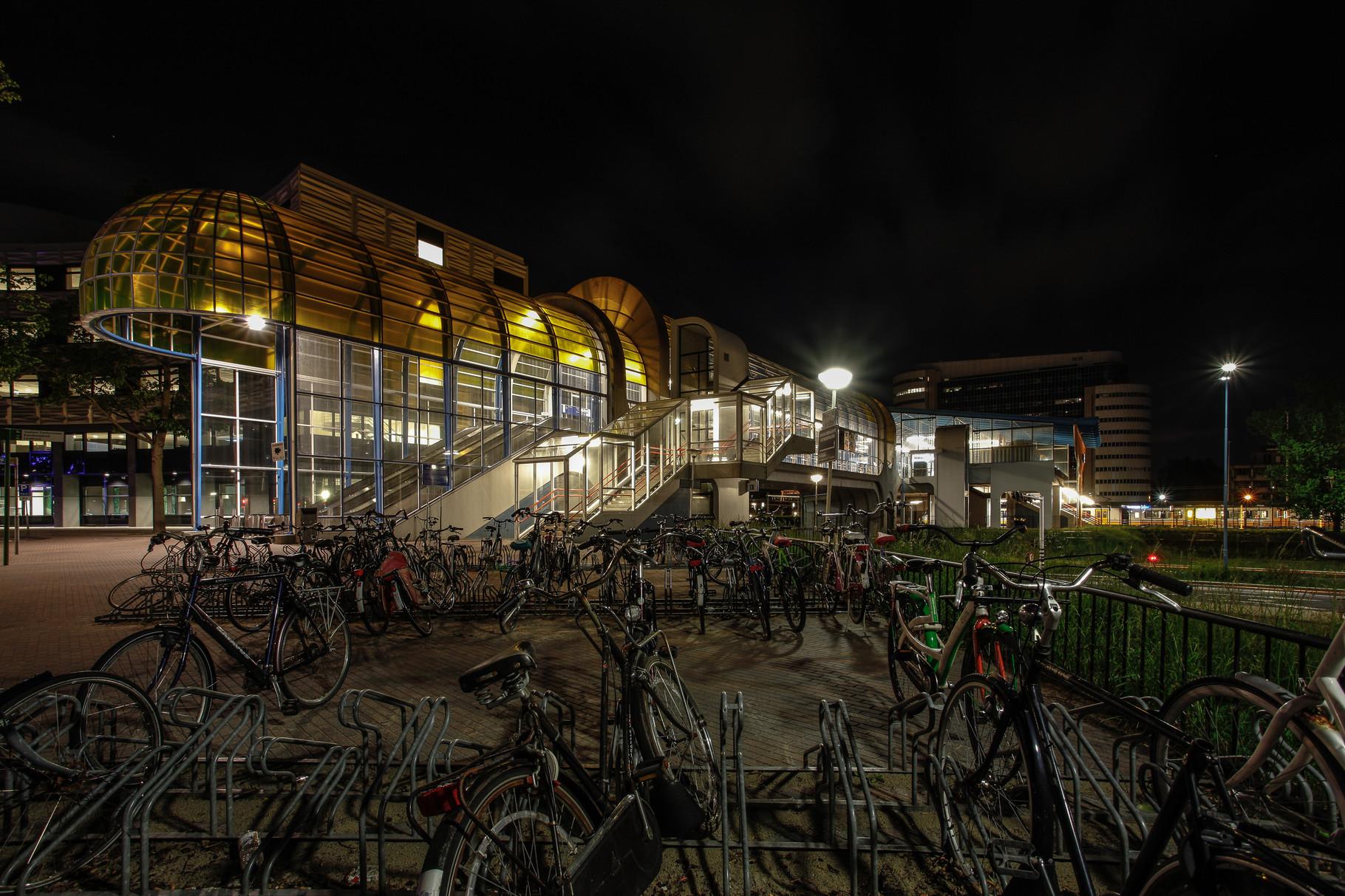Nachtfoto Mandelabrug met fietsen - DOKOE Fotografie