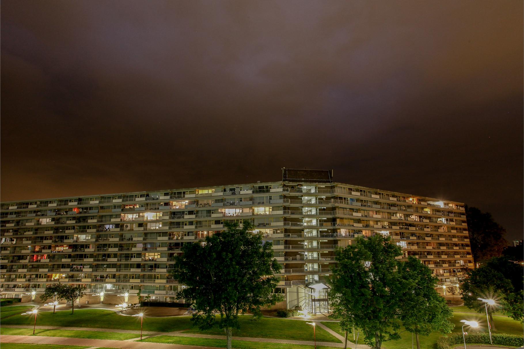 Nachtfoto achterkant Dunantstraat Zoetermeer - DOKOE Fotografie