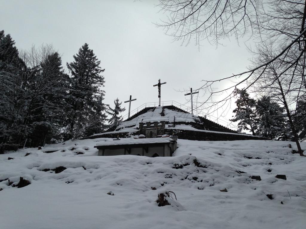 Aussichtsplattform mit Kreuzigungsgruppe des Kalvarienbergs bei Füssen