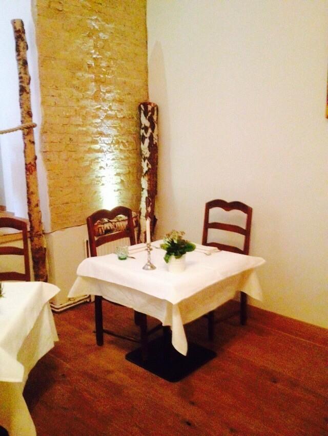 Auch zu zweit können Sie bei uns ein romantisches Dinner mit köstlichem Essen genießen.