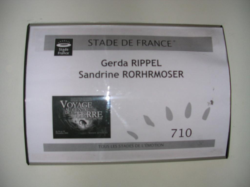 "Unser Garderobenschild bei ""Voyage au centre de la terre"" 2005 in Paris"