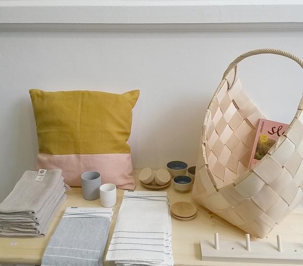 Produkte aus natürlichen Materialien von Nämä, Lab, Iris Hantverk und Lapuan Kankurit beim INK + OLIVE Pop up Store