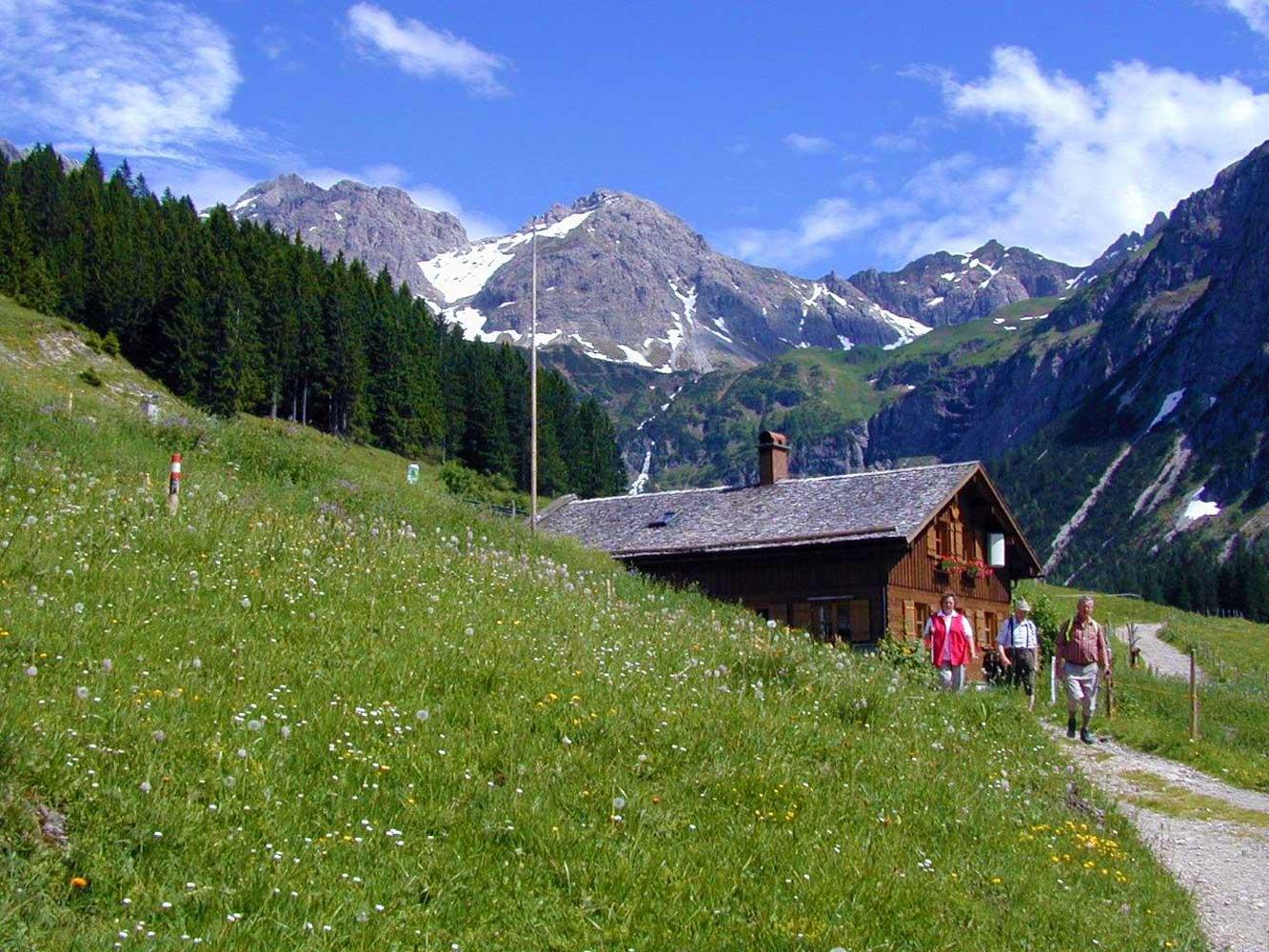 Innere Wiesalpe Kleinwalsertal, Ausflugsziel, Alpe, Brotzeit – Bergpanorama