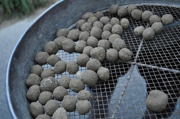 粘土団子。