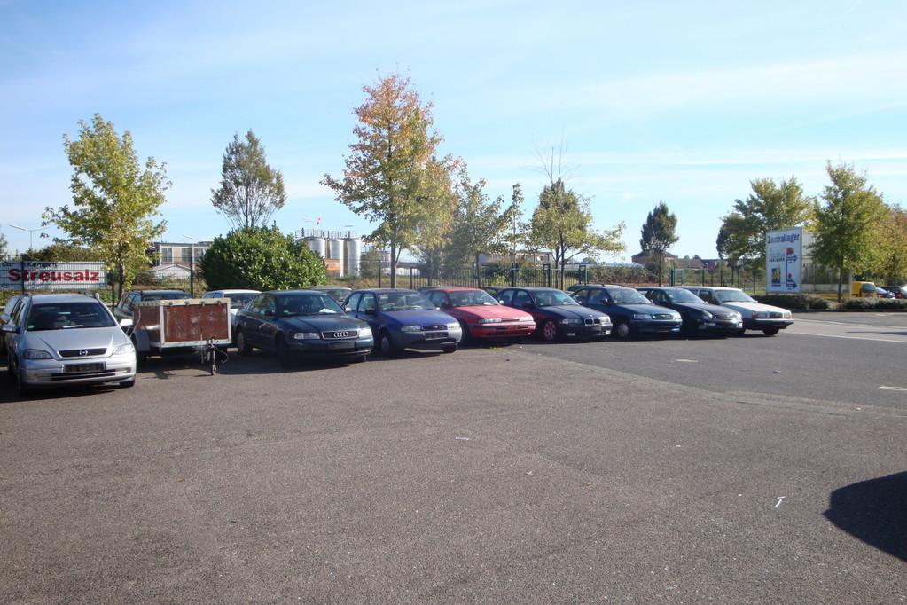 Kfz-Handel: Wir haben immer wieder verschiedene Fahrzeuge für Sie zum Kauf bereit stehen...