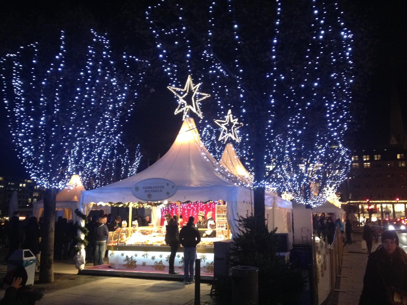 11.12.14: Weihnachtsmarkt an der Binnenalster.