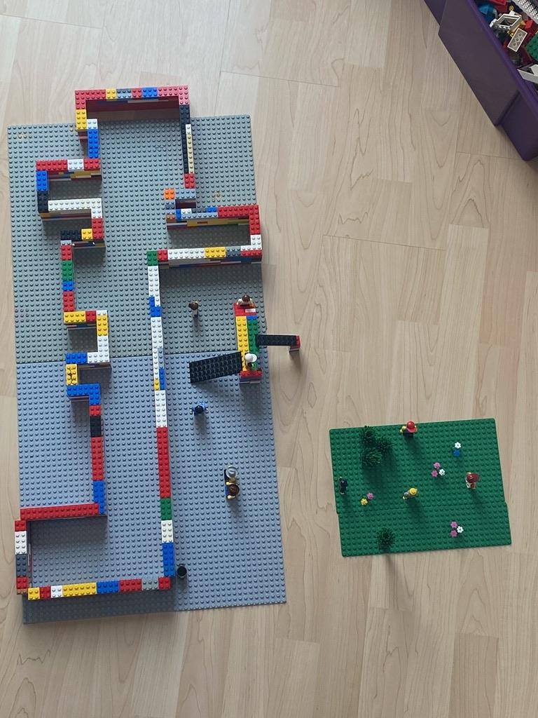 Der Grundriss eines Gebäudes der Grundschule.
