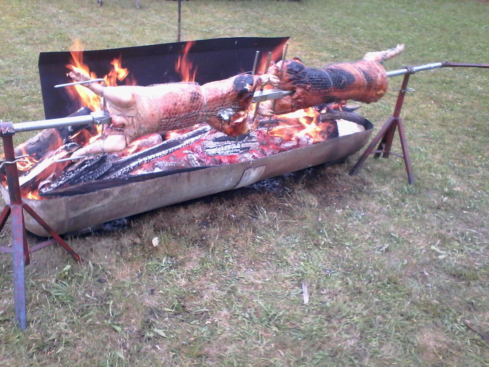 Cochon rôti à Pesselière au 1er juin