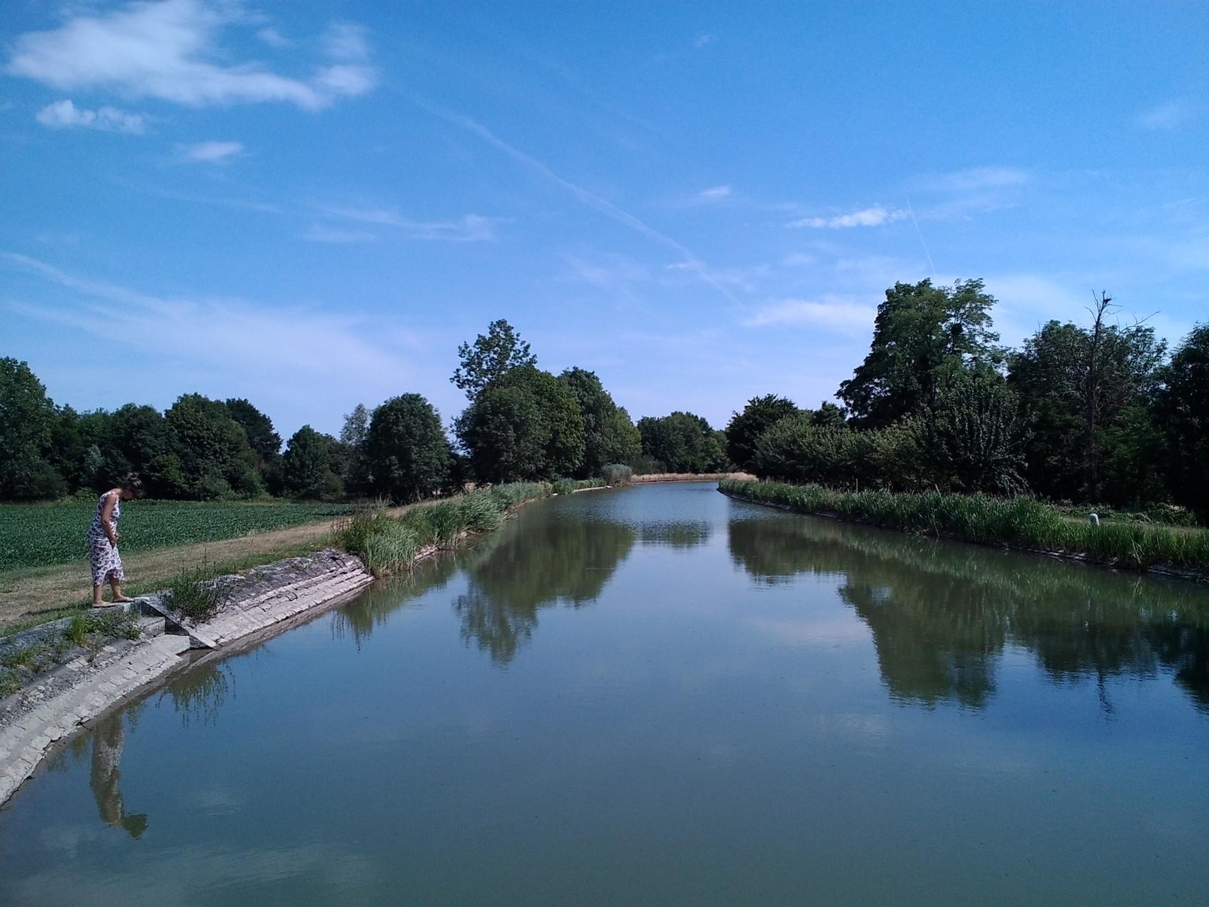 Le canal latéral à la Loire, l'écluse