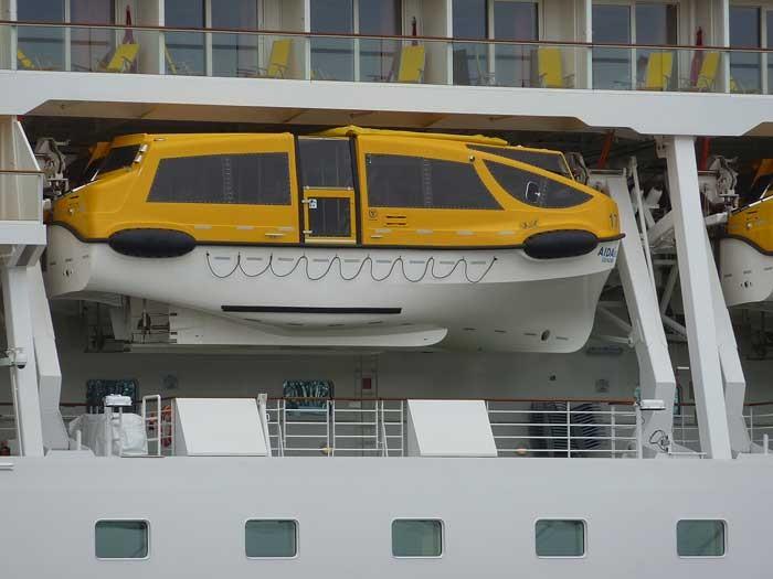 Eines der Rettungsboote der AIDAsol.