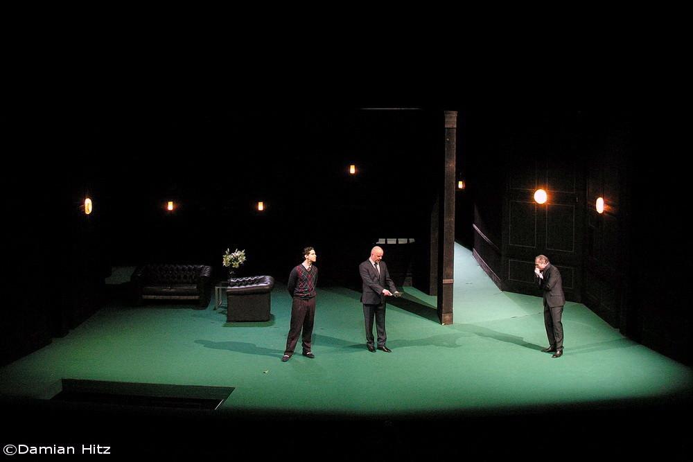 DON CARLOS. Regie: Ingo Berk. Rolle: Page der Königen. Ⓒ Lupi Spuma