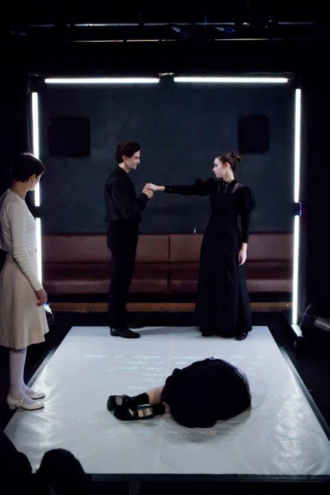 THE TURN OF THE SCREW. Regie: Manuel Czerny. Rolle: Vormund, Quint. Ⓒ Janine Pichler