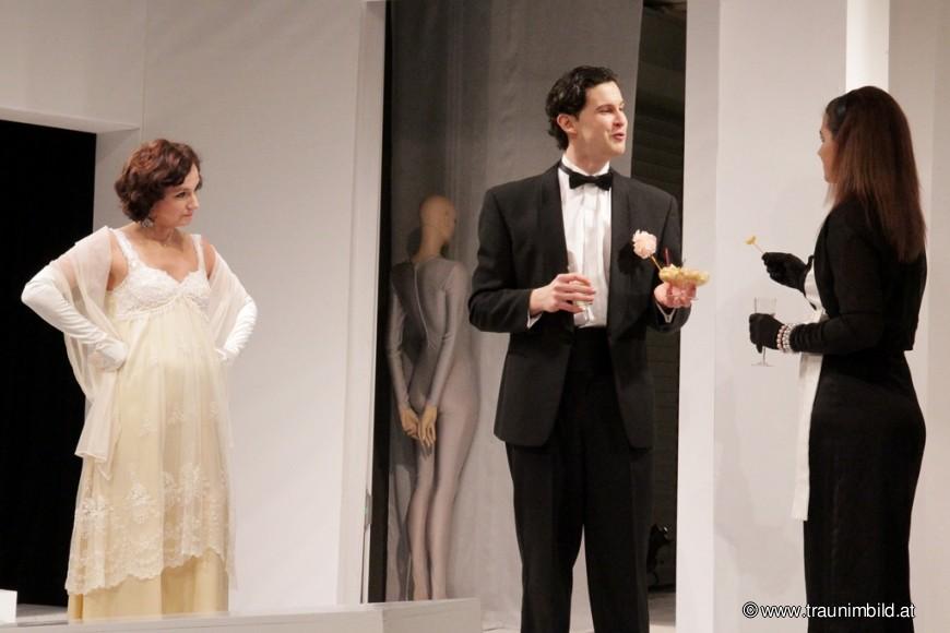 EIN IDEALER GATTE. Regie: Daniel Pascal. Premiere: 9. Februar 2012. Schloss Traun, Oberösterreich.