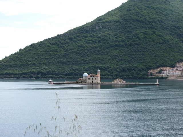 Kirche in der Bucht von Kotor