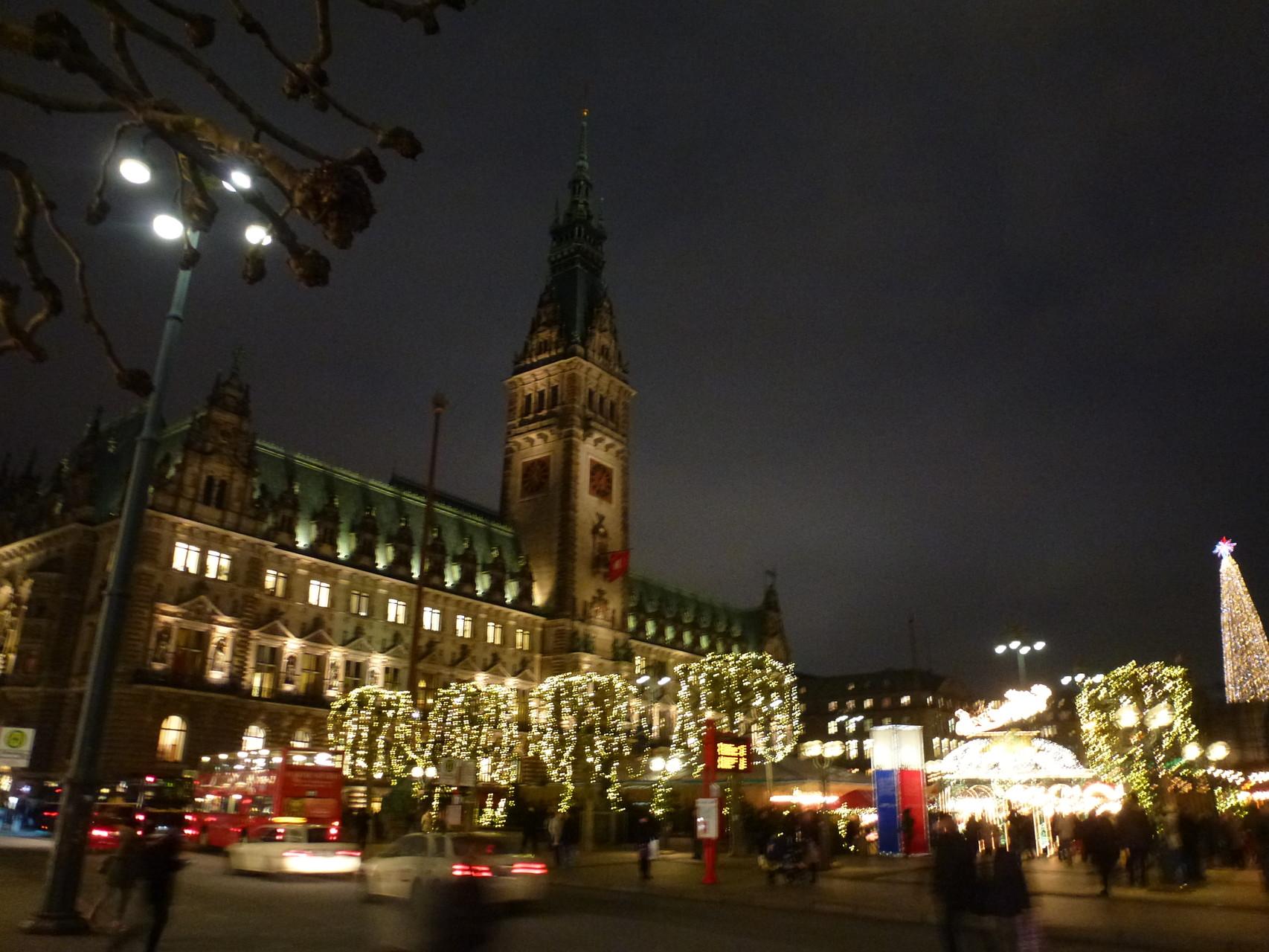 Rathausmarkt zur Weihnachtszeit
