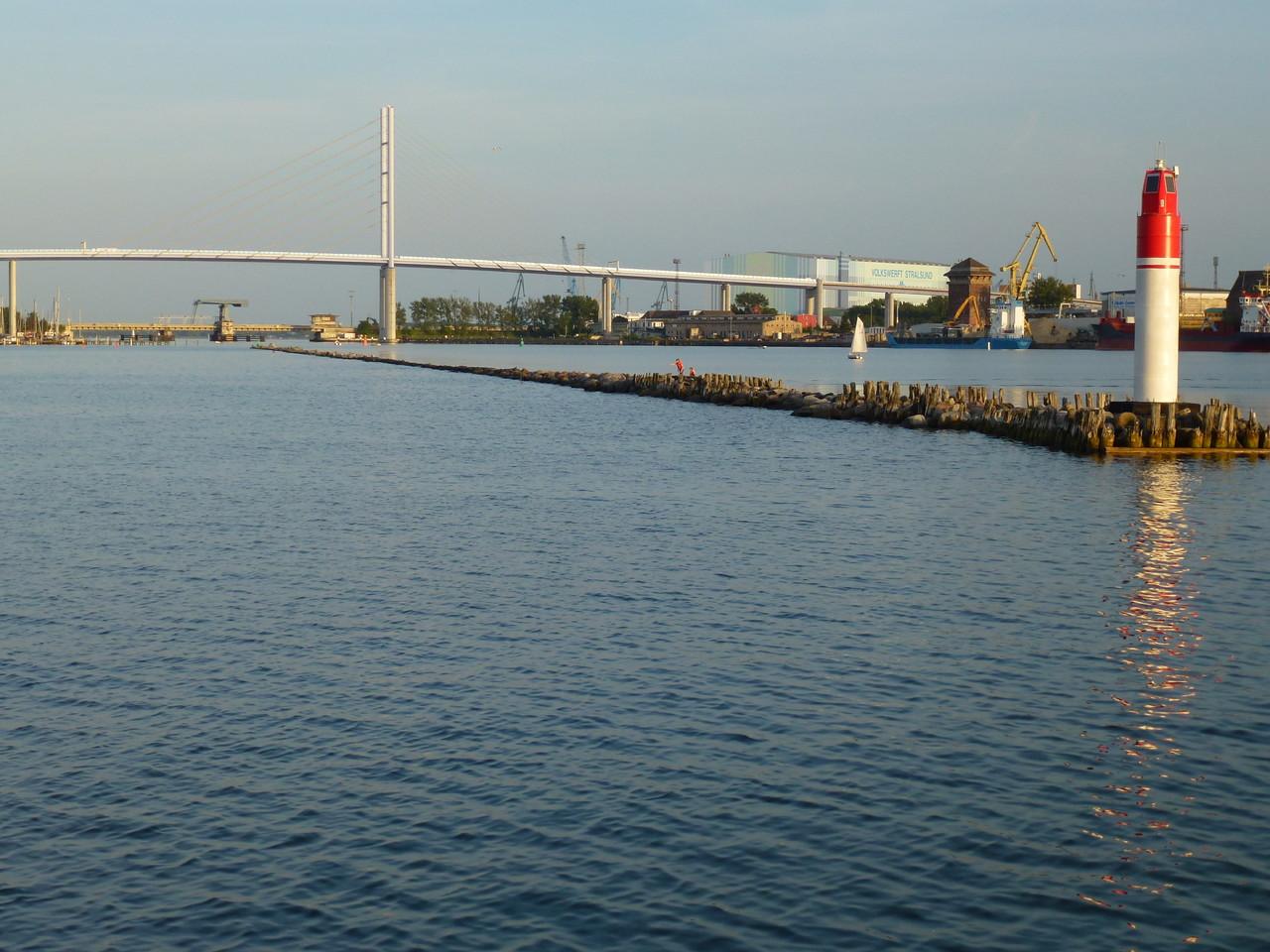 Blick auf die Brücke zur Insel Rügen