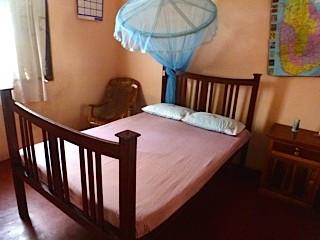 Bild: Mein Bett im Nilaveli Guest Home