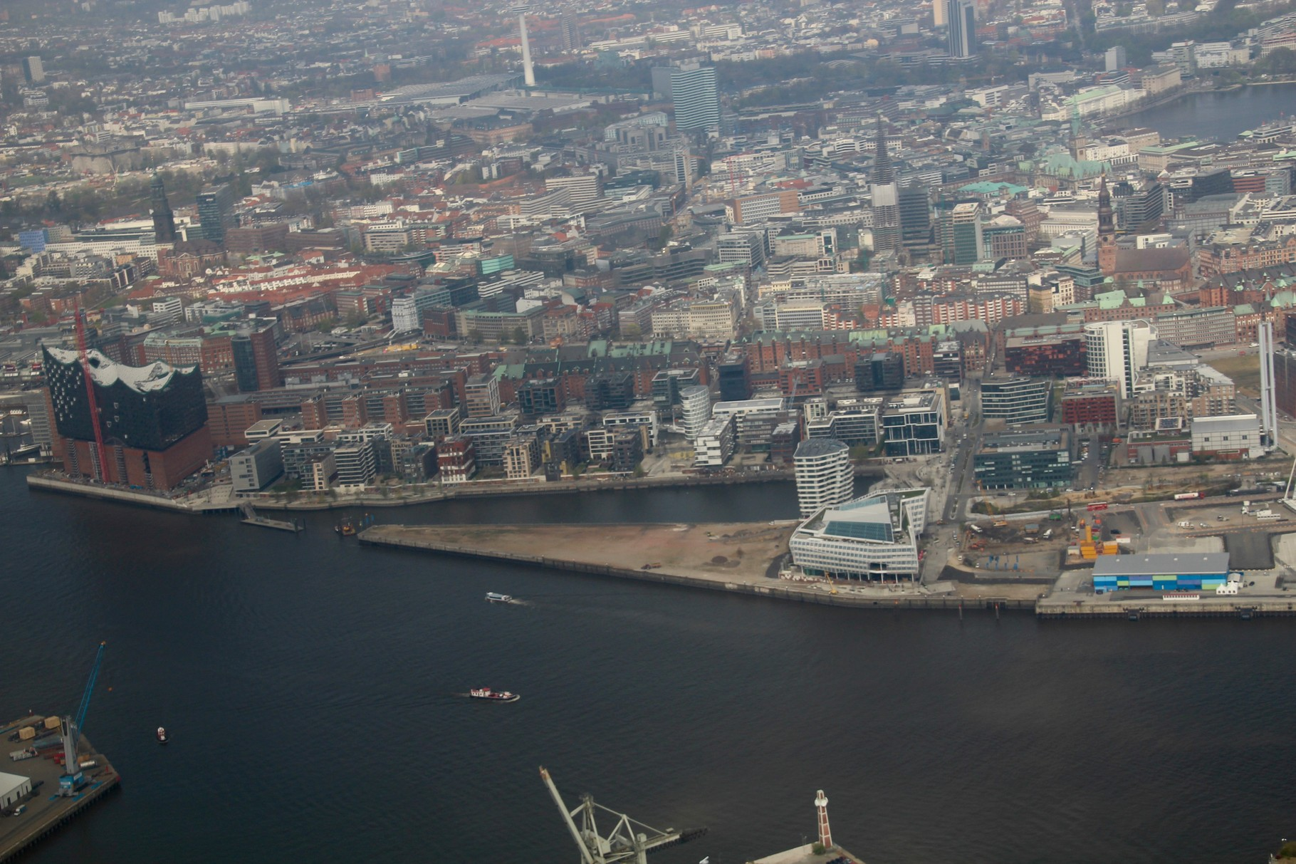 Elbphilharmonie und Hafen City