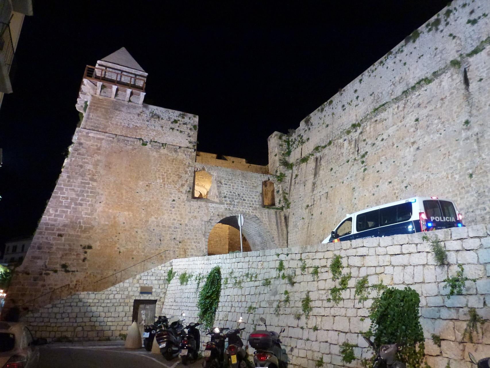 Schutzwall mit Bastion