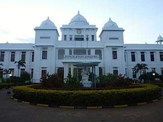 Bild: Der herrliche Bau der  Bibliothek in Jaffna