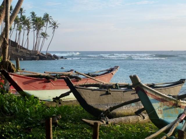 Boote am Strand von Mirissa