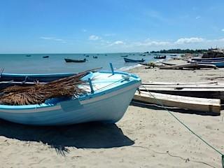 Bild: Fischerboot am Strand