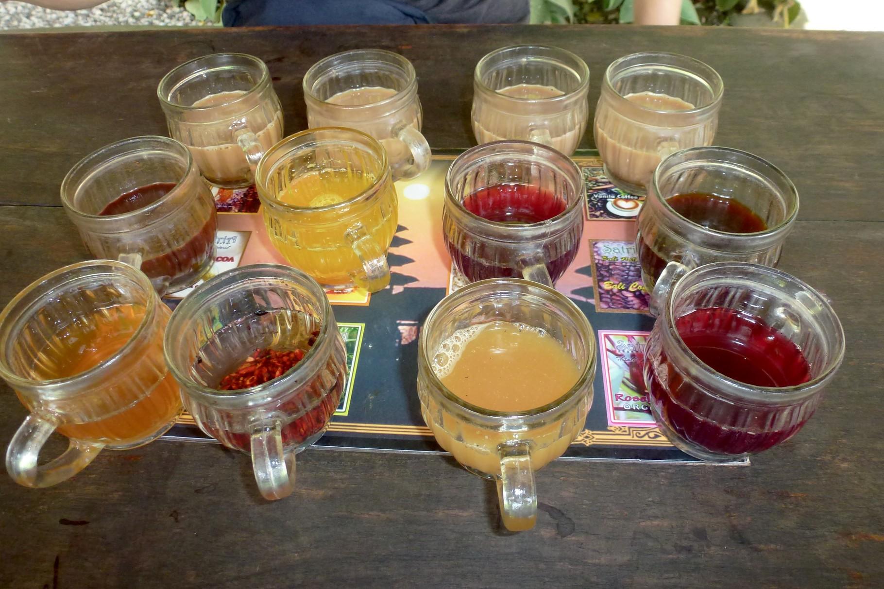 Verschiedene Tee- und Kaffesorten