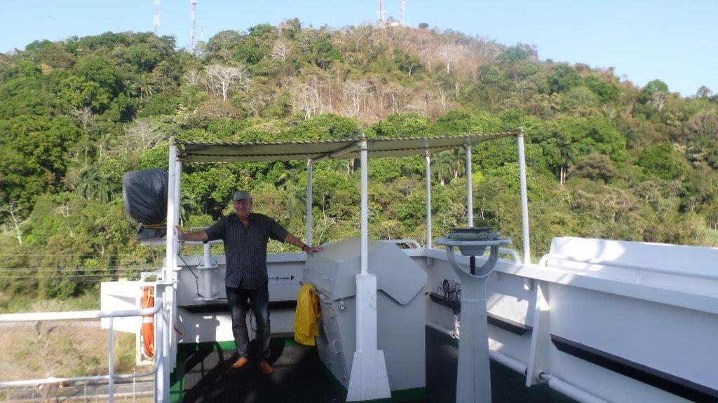 Wir erreichen die Schleusen von Miraflores