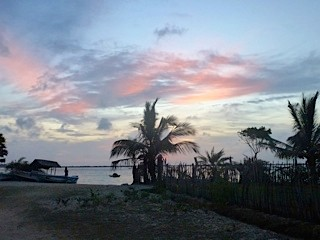 Bild: Der Strand bei Abenddämmerung